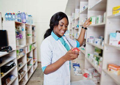 Technicienne ou technicien en pharmacie